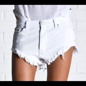 One Teaspoon brand new White Beauty Roller distressed shorts- button fly